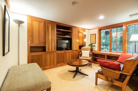 Bamboo Apartment Montlake