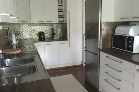 Rivitalokolmio / two-bedroom apartment
