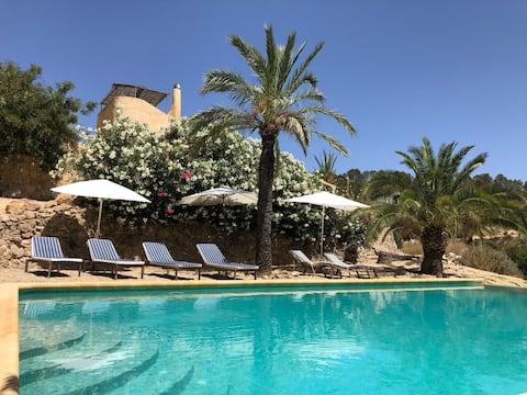 Finca Bienchen (w/Private Infinity Swimming Pool)