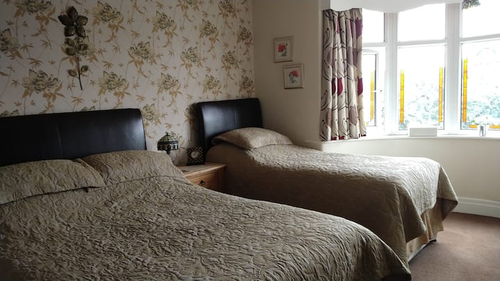 Large Family Room with En-suite. Hollingworth Lake