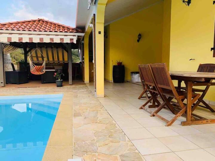 Villa Iloza : Villa avec piscine au cœur de l'île