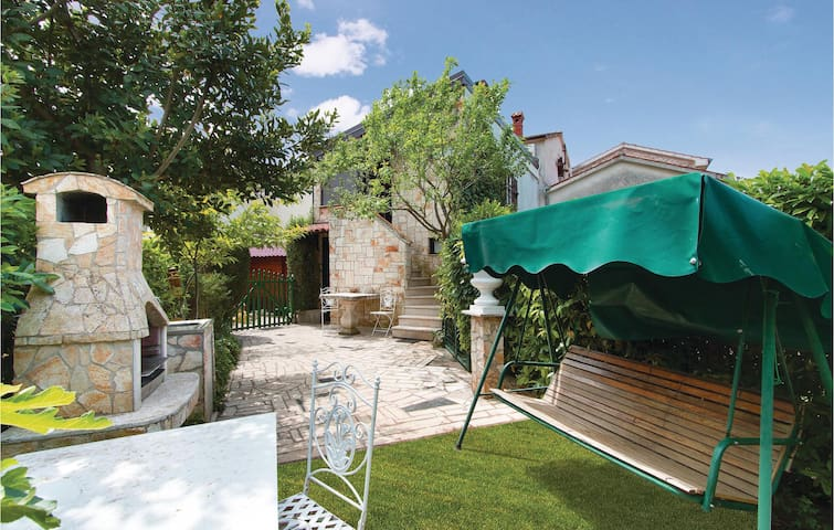 Terraced house with 2 bedrooms on 100m² in Porec