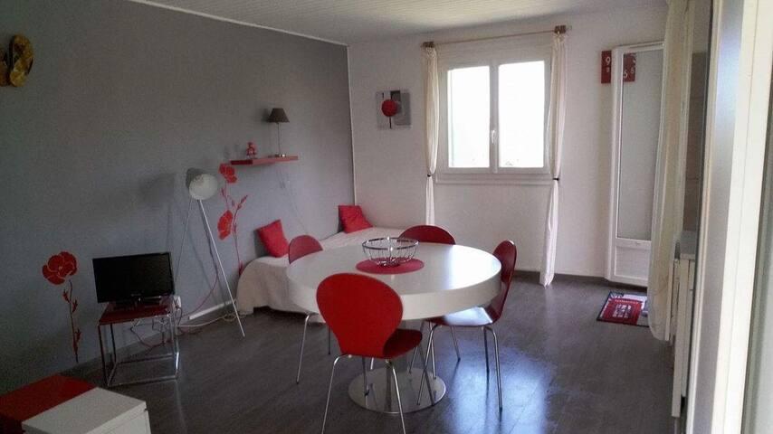 Appartement Cosy avec Piscine Calvi