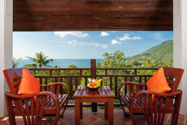 Ban's Diving Resort - Deluxe Hilltop View 1 (Twin)