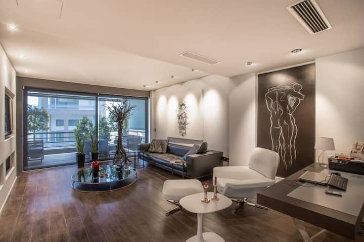 Luxury apartment near Gazi square