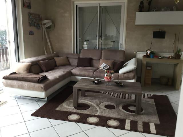 Chambre avec piscine