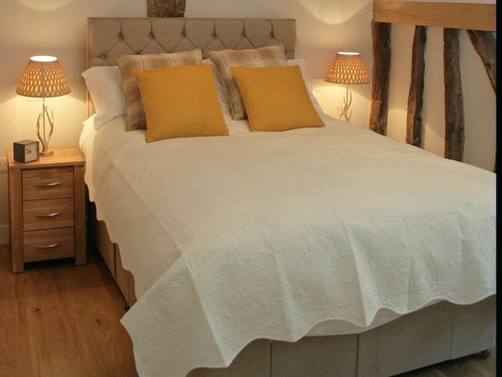 Cranwell Ensuite Double Room @The Red Cow