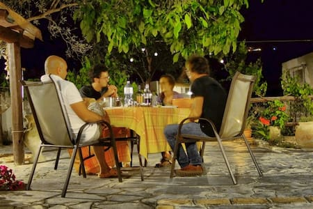 Coutry side apartment close to Taormina rosa - Lacco