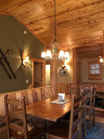 The Cabin at Schweitzer: ski in/ski out