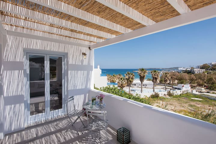 Naoussa, Steps from the beach - Mint apt.