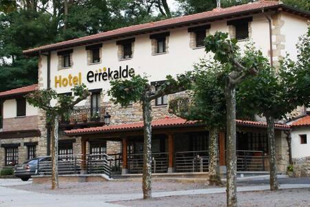 Errekalde Hotela , cerca de San Sebastian