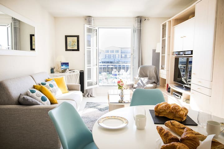 Sumptuous apartment on the harbour / Port View !