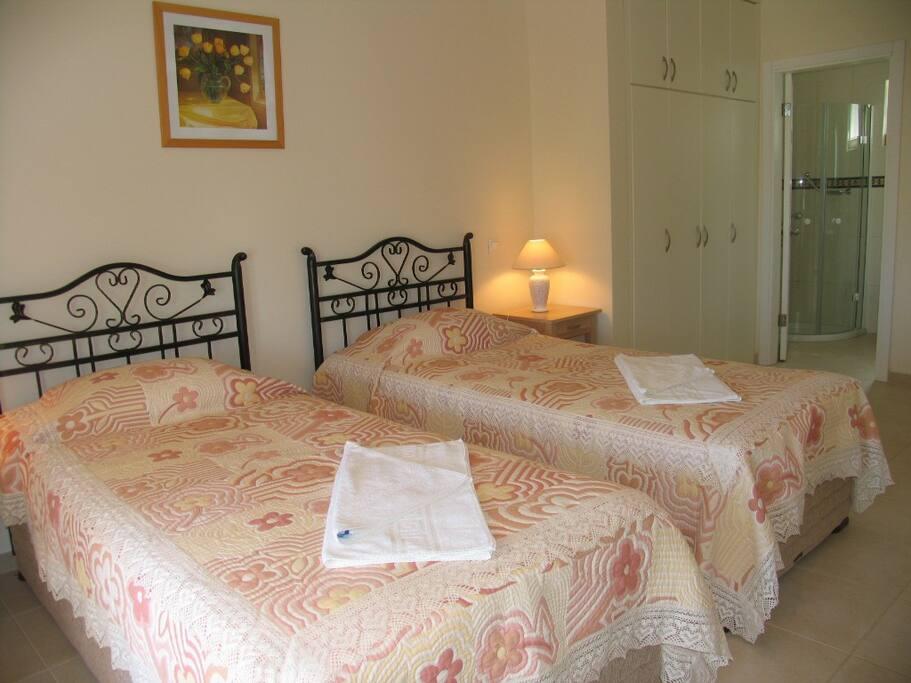 Villa C > 2.yatak odası