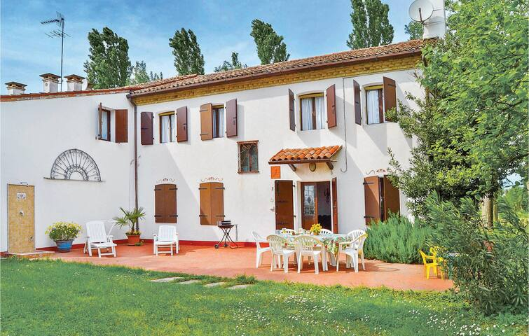 Holiday apartment with 4 bedrooms on 140m² in Torre di Mosto VE