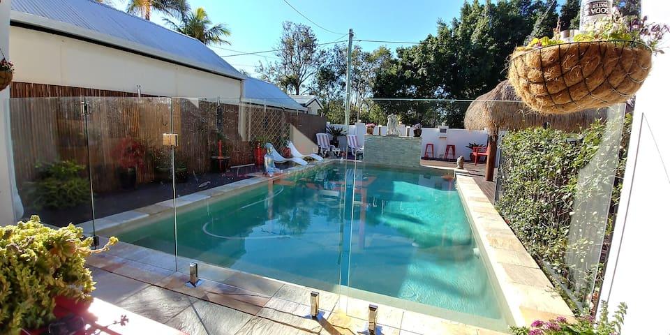 1. Gold Coast,Surfers Paradise,White House,Bundall