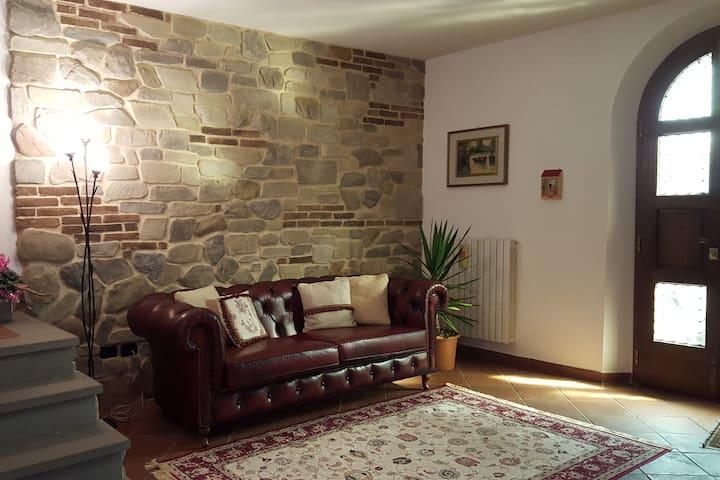 Casa LEONARDO nella campagna Toscana
