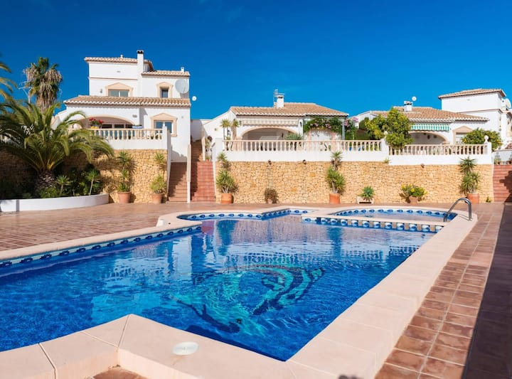 Plusholidays - Villa Charly in Calpe