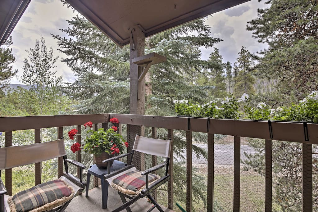 This property sleeps 6 in the beautiful town of Frisco at Peak One Condos.
