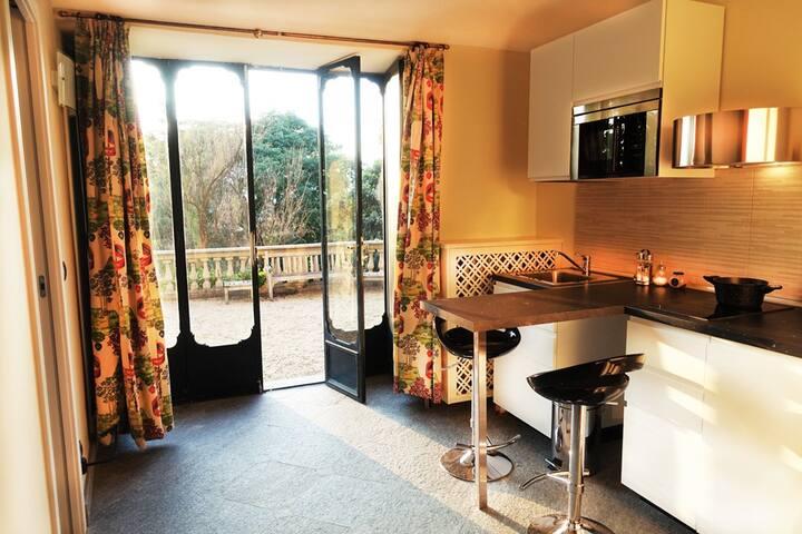 Appartamento openspace in villa con piscina,Torino