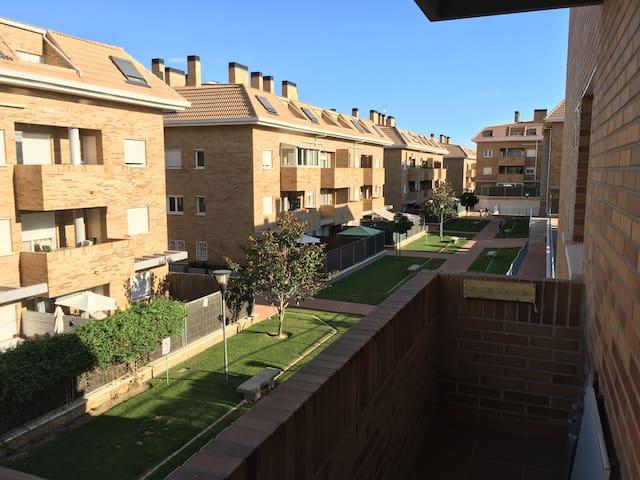Apartment+swimming pool+nature. 30 min to Madrid - Collado Villalba