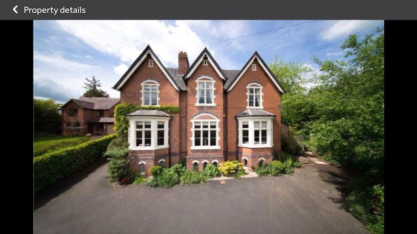 Exceptional Victorian Splendour with a homely feel