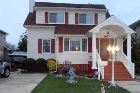 Great House close to beach by Ocean Ave - Long Branch