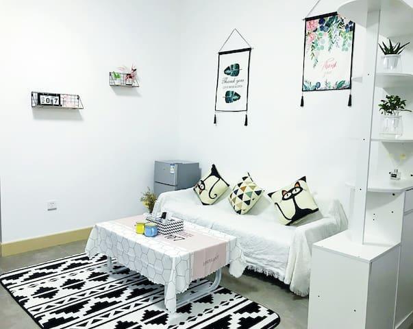【温馨HOUSE】个性北欧INS风↗高档公寓↗近仙女湖、湿地公园、北岭山、↗自助入住↗环境舒适