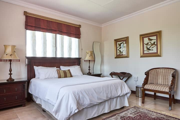 Spacious estate living at Villa Sardinia