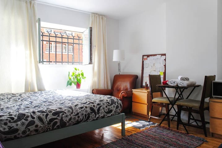 Private room in Center of Brussels! - bruxelles - Huis