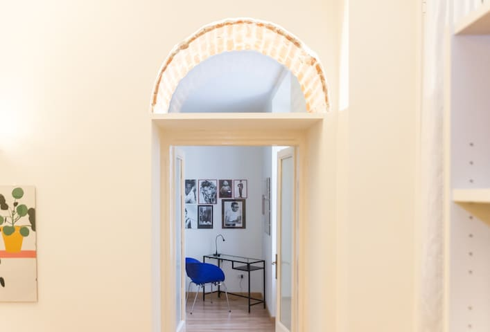 Stylish Apartment Porta Venezia, Metro stop