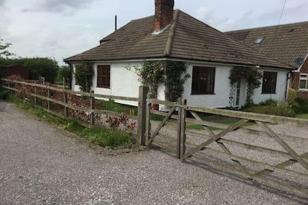 Magnificent views of open Suffolk countryside - Witnesham