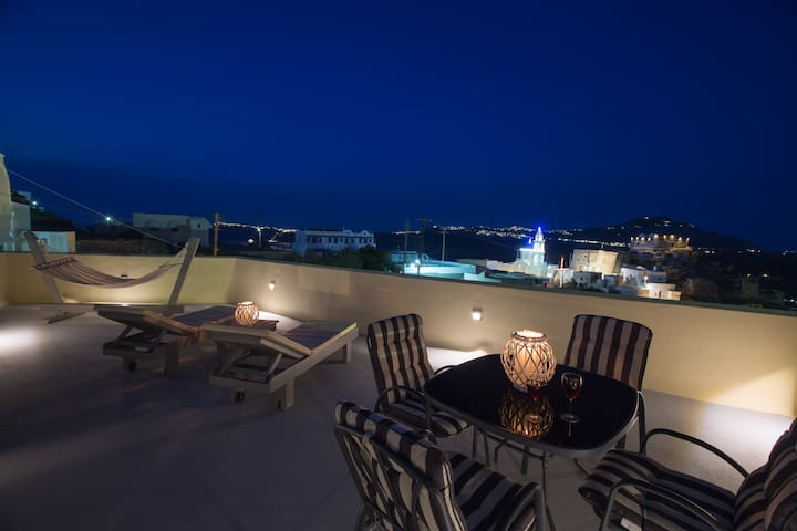 Castle view house with hot tub & hammam