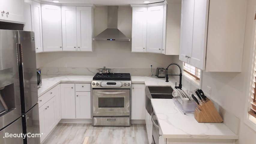 #1.1 new decration apartment  3Bed./2Bath.