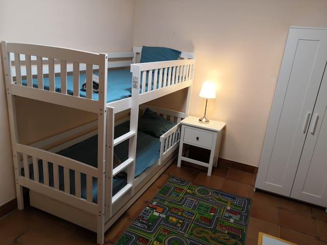 Floor 1 - Room 2