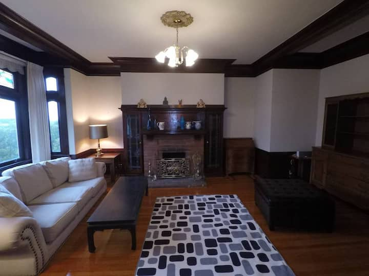 Large Two Bedroom Flat in Cole Valley