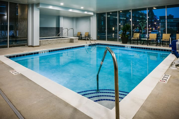 Roll-in Shower | Free Breakfast, Free Wi-Fi, Fitness Center