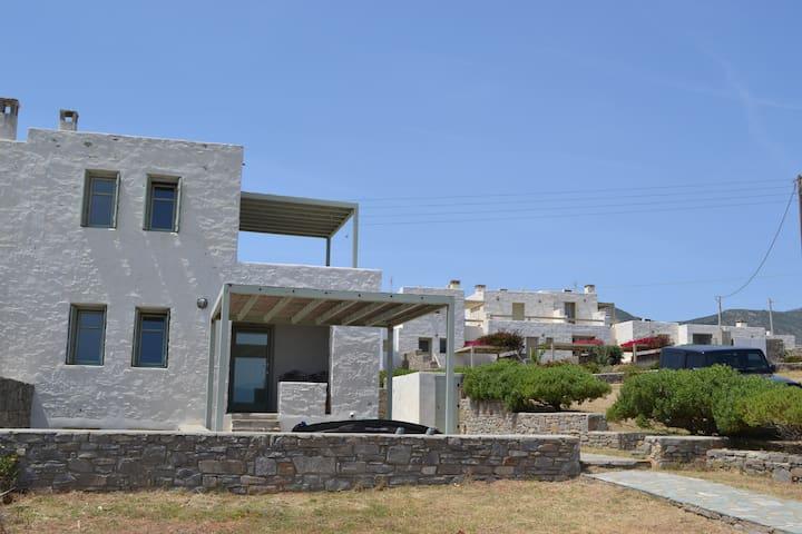 New Golden Beach Villa - Chrisi Akti - Apartamento