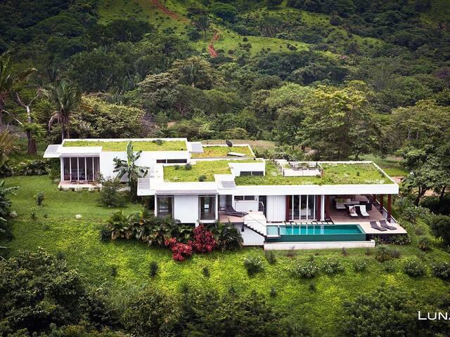 True Luxury! Ocean Views & Full Concierge Service! - Emerald Woods - Villa