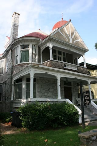 Victorian Bed and Breakfast Inn