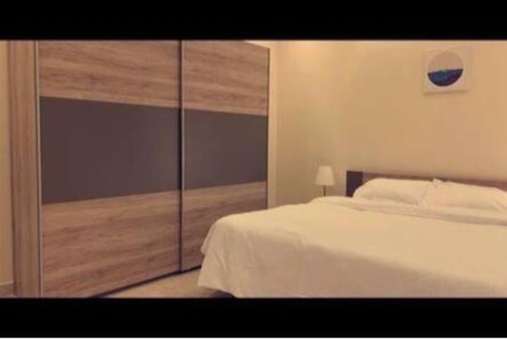 Luxurious Large Apt~ New Furniture-شقه كبيره فاخره