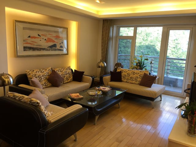 Xinghai Guobao B-13-1Luxury Apt. 2b2.5b ocean view - Dalian  - Apartment
