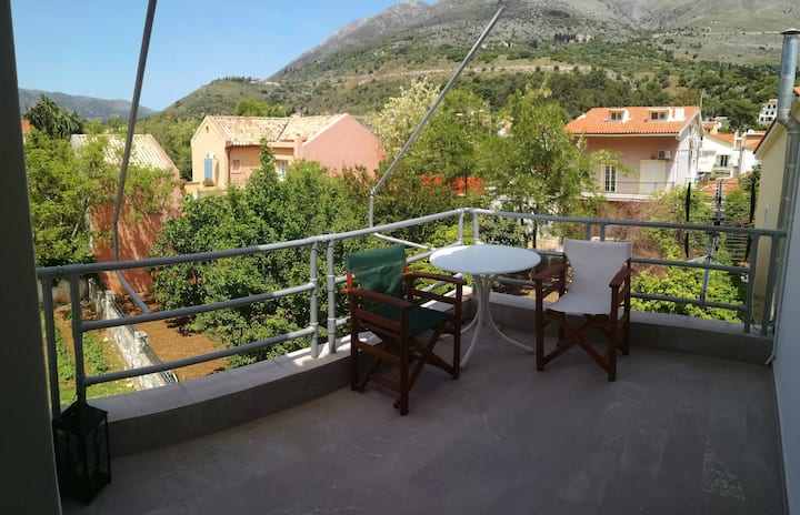 Floor apartment in Agia Efimia next to the sea