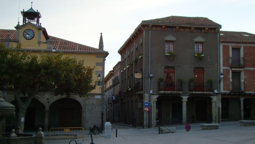 CASA RURAL PIEDRAHÍTA ( ART DÈCO & NOUVEAU )