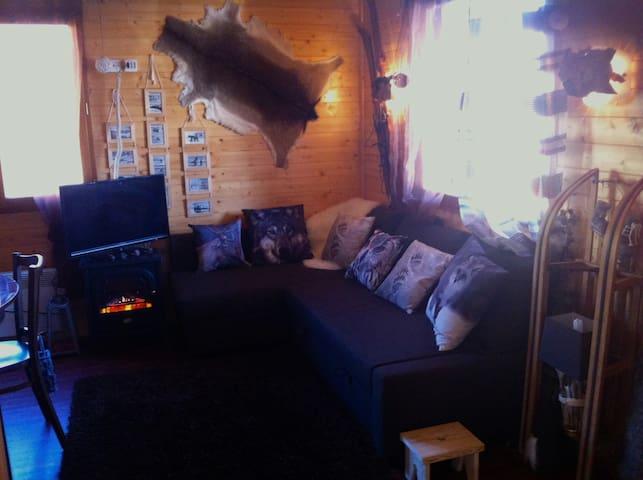 Chalet en bois cosy déco vintage montagne