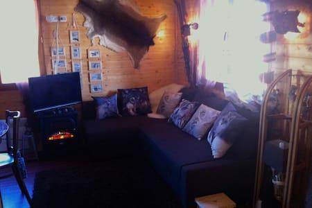 Chalet en bois cosy déco vintage montagne - Ignaux - Chalet