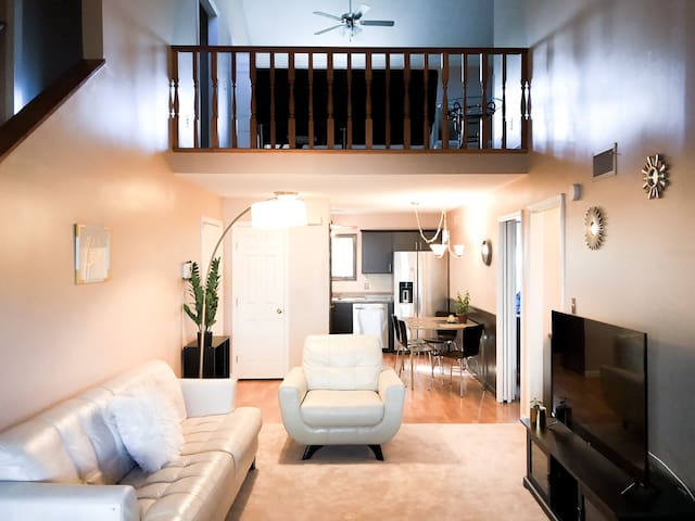 WINTER SPECIAL 2-STORY APT, 5MIN WALK TO THE BEACH