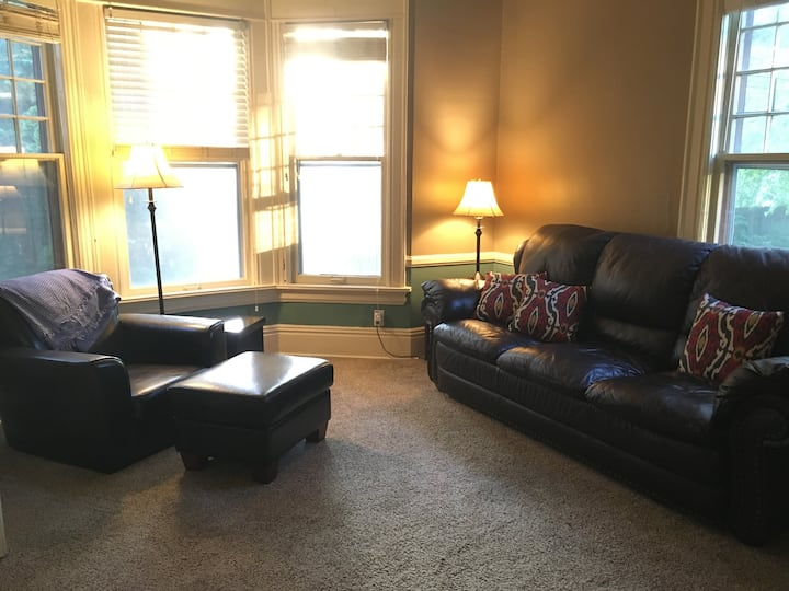 Centrally-located Cedar Rapids Apartment - Unit 2