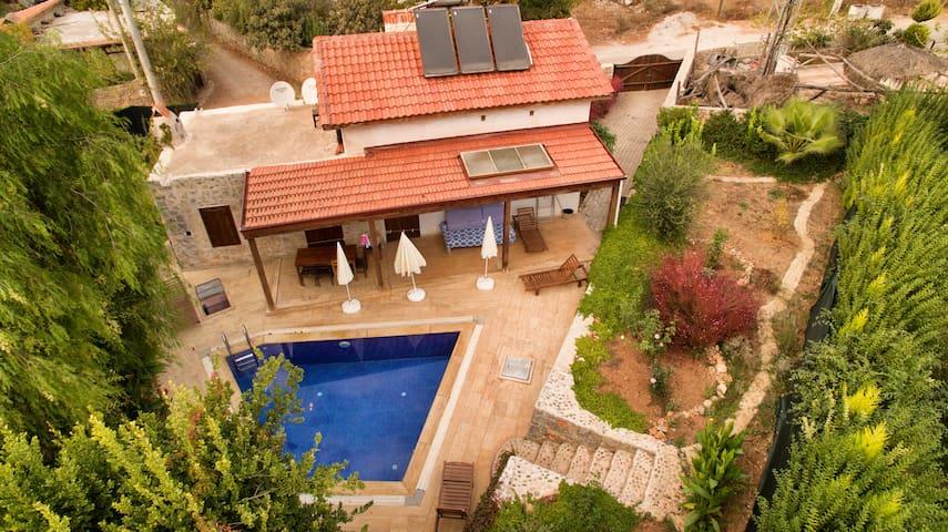 AKY5100-Fethiye 2 odalı havuzlu villa