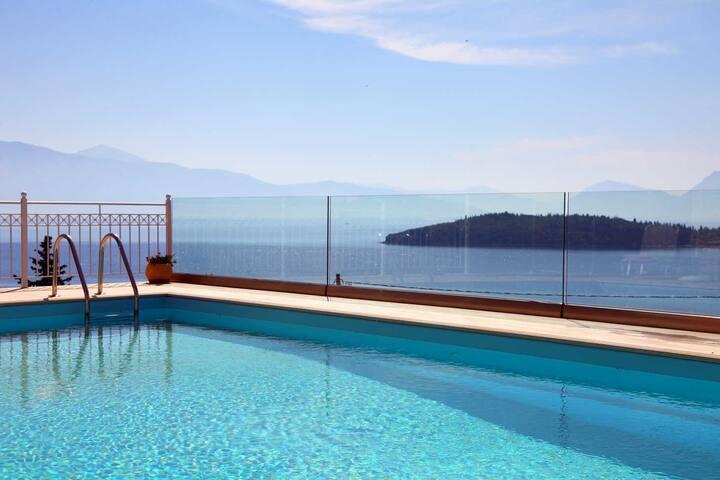 Villa Myrtis, Brand new villa with stunning view close to the beach - Lefkada - Vila