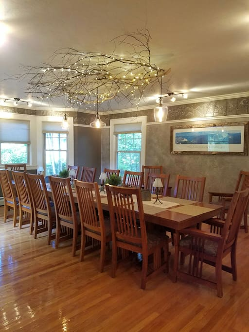 Dining Room with seating for 17.